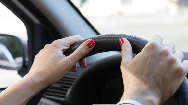 Пьяная жительница Зеленограда угнала и разбила такси