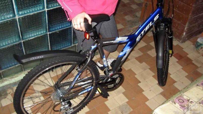 В Химках переодетый в девушку парень украл велосипед