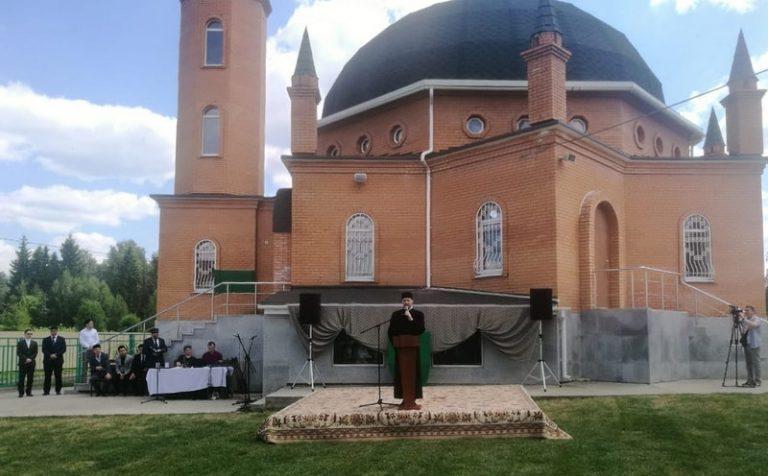 Мечети в Подмосковье открылись с рядом ограничений