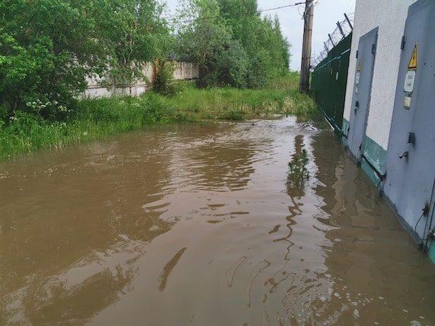 Клинскую подстанцию залило ливневой водой, но энергетики оперативно  исправили ситуацию