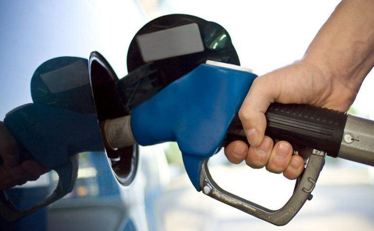 Полицейский в Зеленограде продавал казённое топливо своим коллегам
