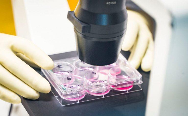 Одобрение Минздрава получил первый отечественный препарат против коронавируса
