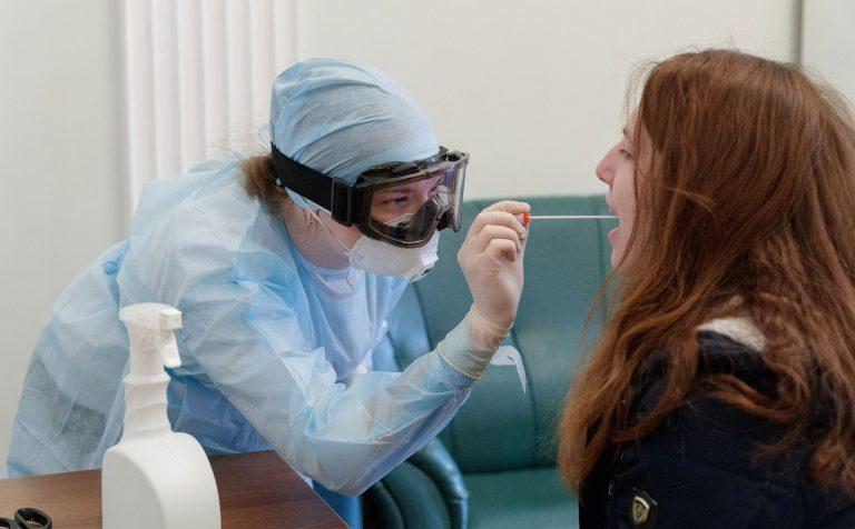 В России новый рекорд количества заболевших COVID-19