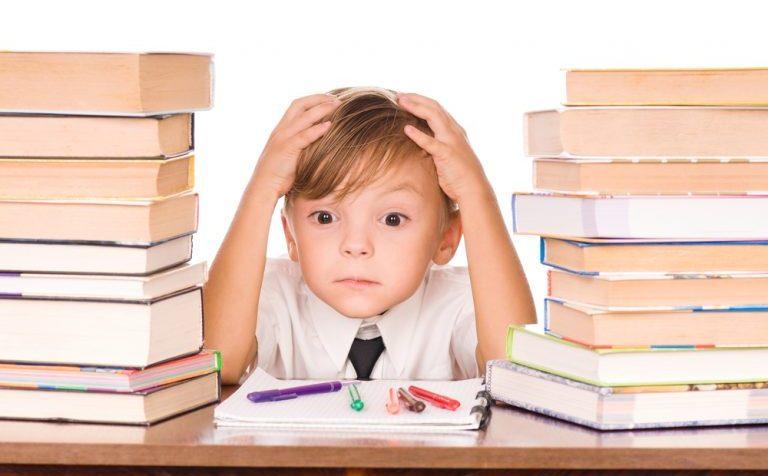 Индекс школьника: сколько должны весить учебники, и почему девушкам нельзя носить короткие юбки