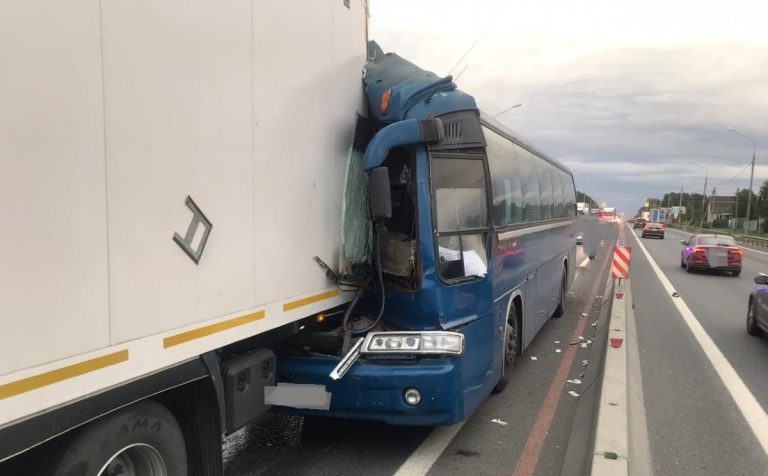 Серьёзная авария произошла на трассе М-10