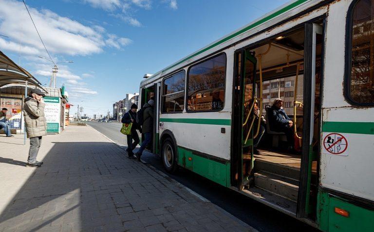 11 маршрутов общественного транспорта будут работать во время Крещенских купаний