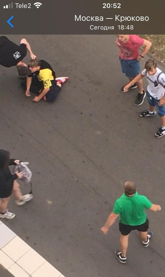 Двое мужчин избили трёх подростков в Зеленограде