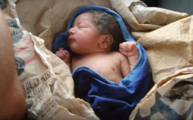 Женщина родила ребёнка и заявила, что нашла его