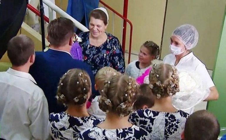 Жительница Подмосковья в 40 лет родила 14-го ребёнка