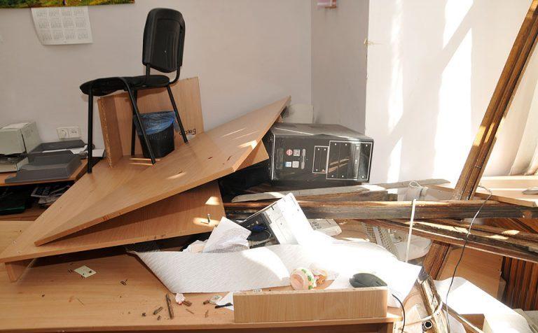 Мужчина в Зеленограде устроил погром в школе