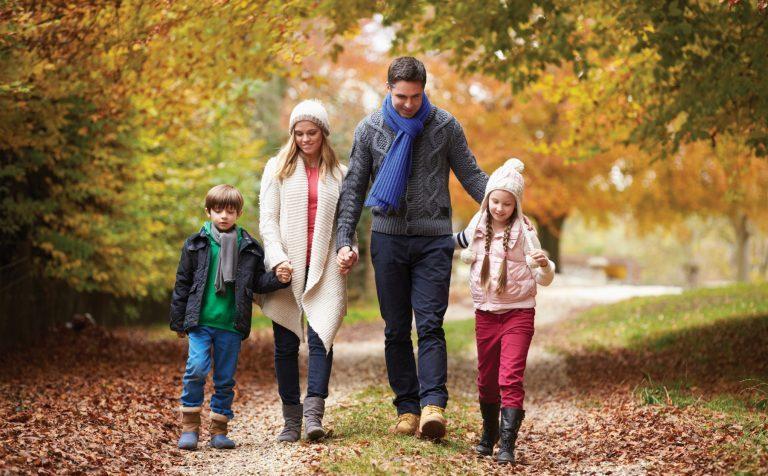 Польза прогулок на свежем воздухе: 6 поводов для прогулки