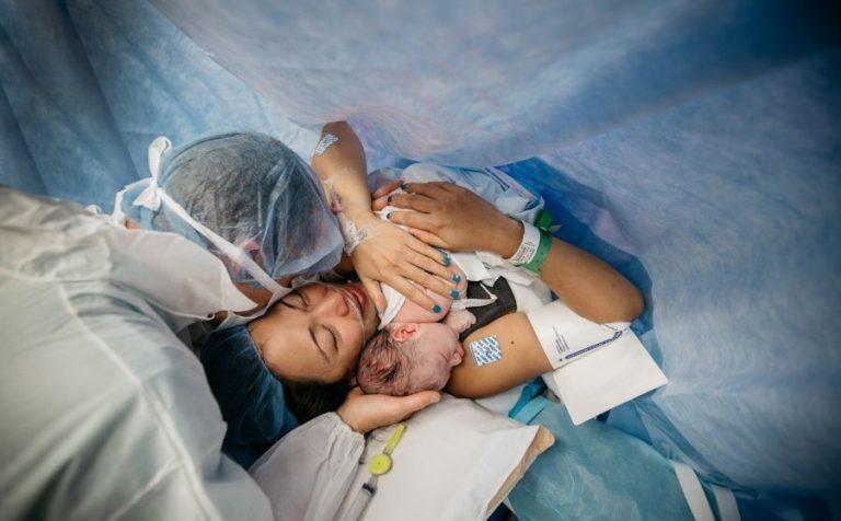 В кузбасском госпитале у больных COVID-19 приняли партнёрские роды