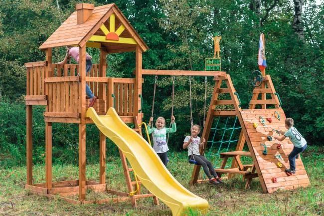 В Московской области установят 229 детских площадок площадью 300 и 450 квадратных метров