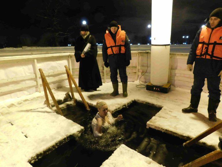 Клинских верующих Крещенские морозы не испугали