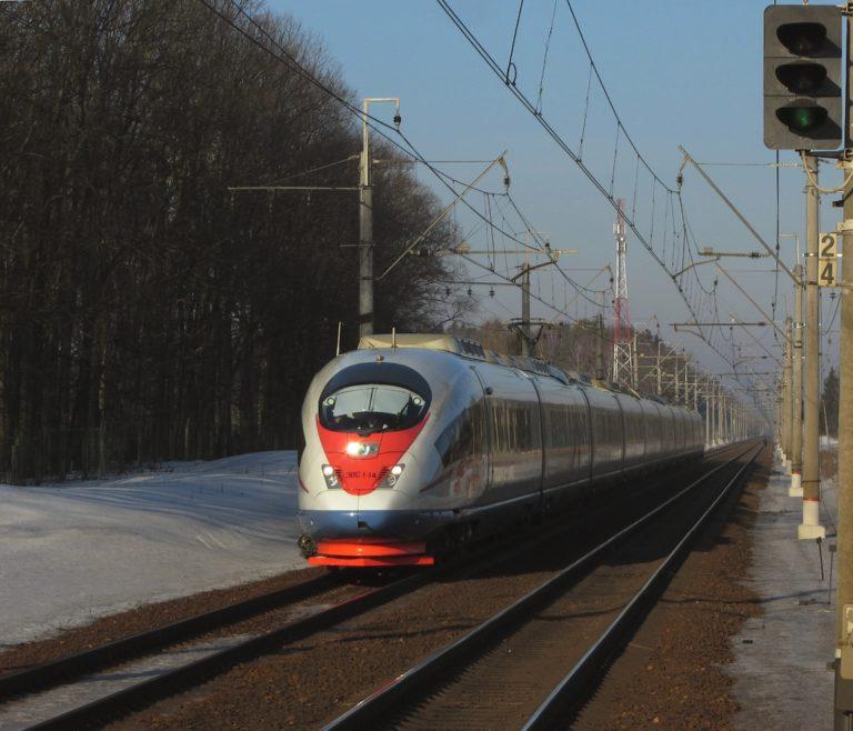 «Сапсан» сбил насмерть студента на железнодорожной станции Клин