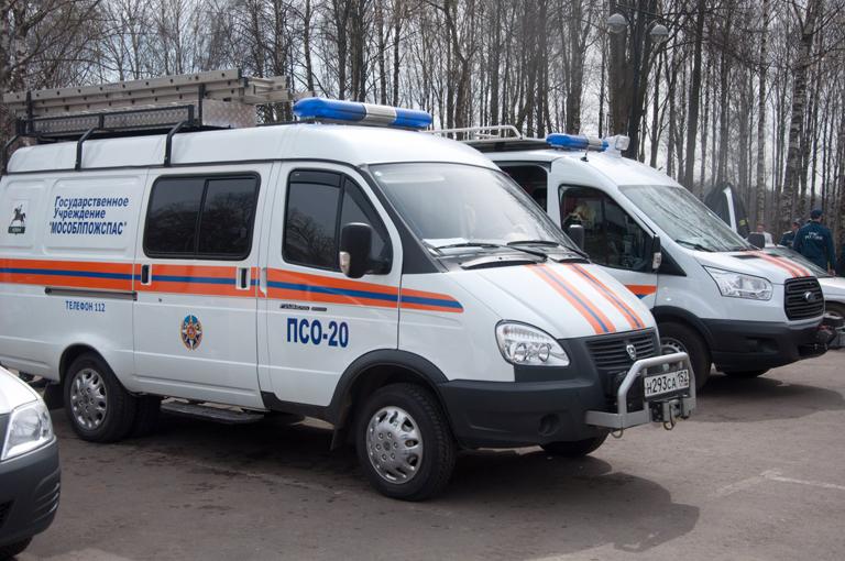 Спасатели: выезжали «на двери»  и ДТП