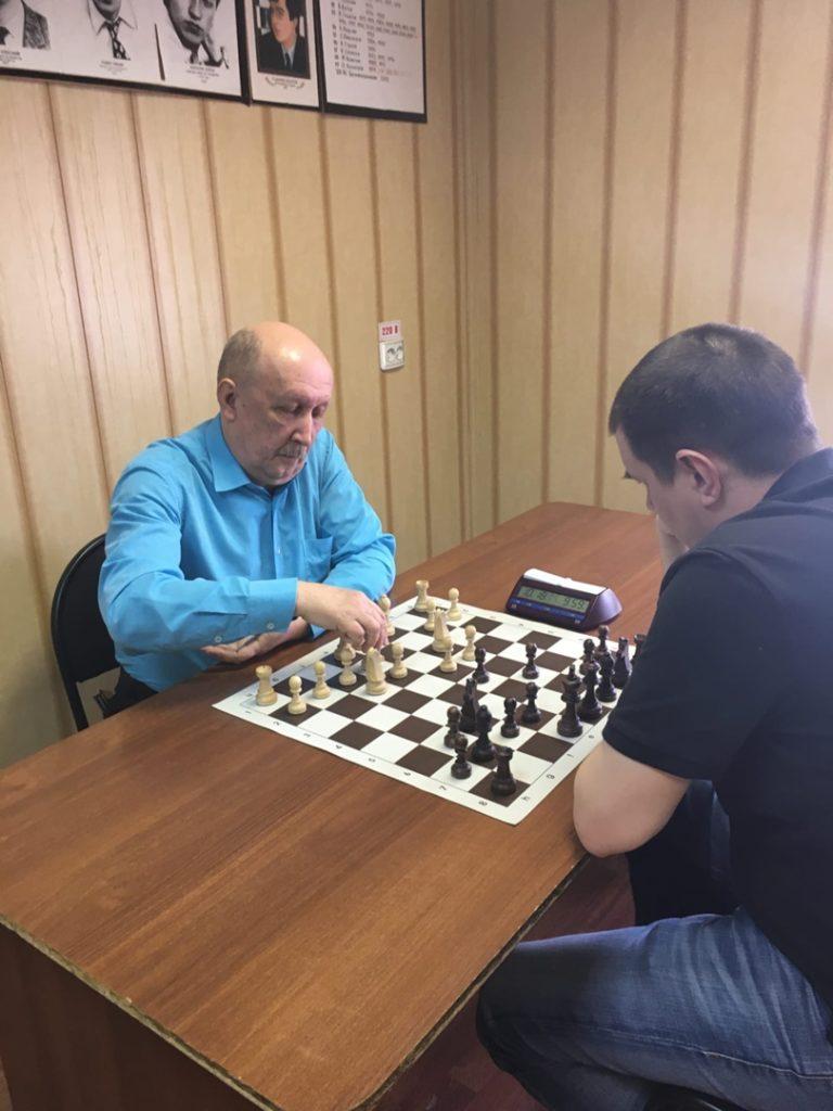 Шахматы. Побеждает Гульков