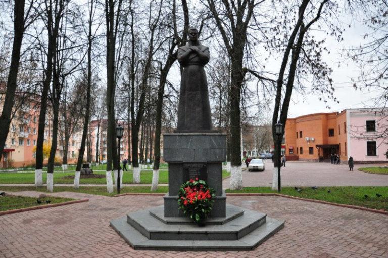 Стекольный завод отмечает день Победы