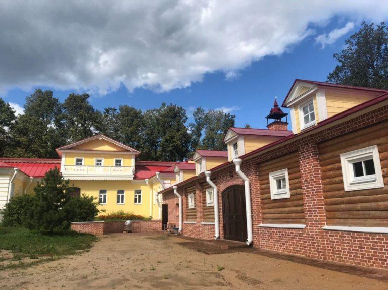 Режим работы музея-заповедника Д.И. Менделеева и А.А. Блока в нерабочую неделю